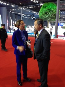 SAIC-GM-Wuling Co. Ltd., Executive President Gustavo Cespedes sharing his ideas with LIASE MD Asia and Board Member Vanessa Moriel.