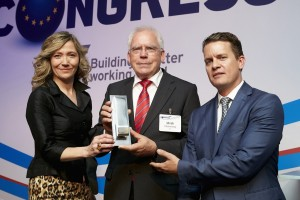 Prof. Dr. Ulrich Hackenberg accepting a 2015 L.E.A.D.E.R. award during the evening of the 10th of June at the ANE Congress in Birmingham.  Dr Hackenberg is Board Member for Technical Development at AUDI AG. The award honored Audi for setting new standards in the field of lightweight design and piloted driving. These innovation are showcased in the new Audi Q7, which is 325 kilograms lighter than precursor models.