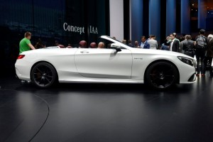 Mercedes-Benz presented a beautiful cabriolet version of its AMG S63 4Matic.