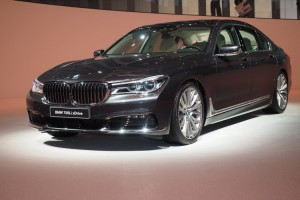 BMW unveiled a reworked version of its flagship 7 Series in Frankfurt. BMW significantly reworked the cabin space, ensuring that everything is covered by wood, leather, or aluminum.