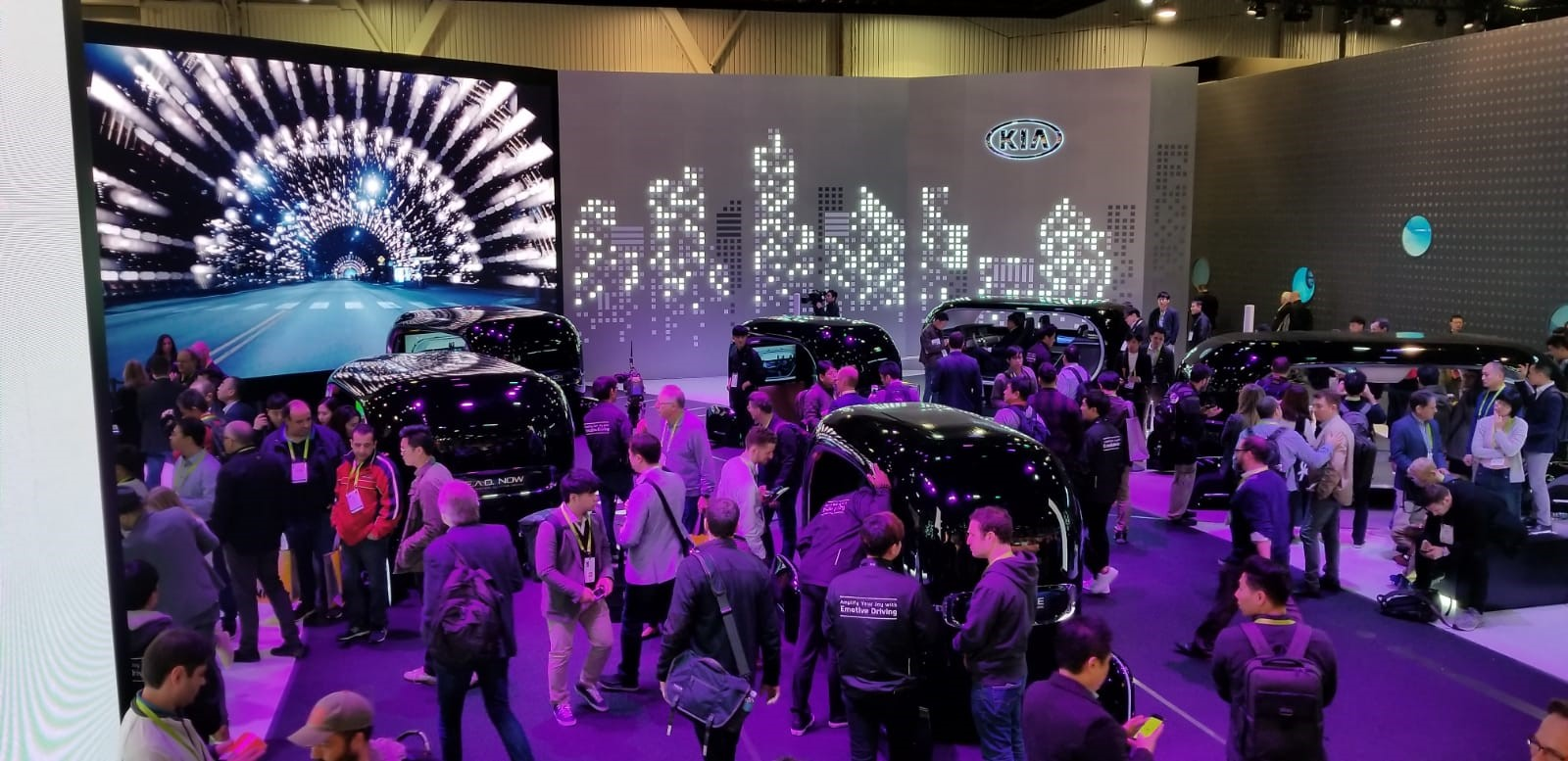 Kia unveiled its new READ (Real-time Emotion Adaptive Driving) concept, which is meant to adapt the on-board experience of drivers and passengers in the era of self-driving vehicles.